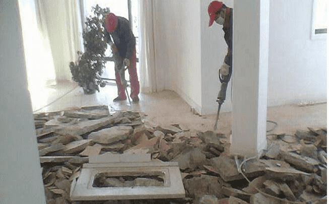 拆除酒店餐厅的工程施工工作