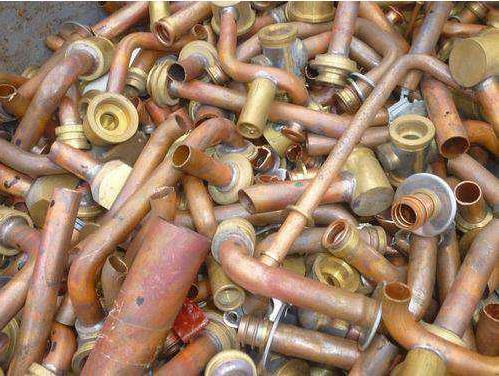 废金属回收专业人员:受绿色环保需求影响,铜价可能将升至每吨12,000美元