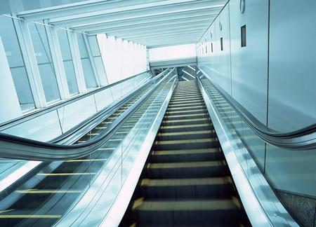 如果废旧电梯回收发生故障,它会突然掉下来